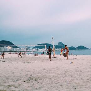 〖笑到巴西〗到里約無人錯過的海邊Copacabana