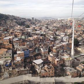 〖笑到巴西〗坐纜車看里約貧民窟